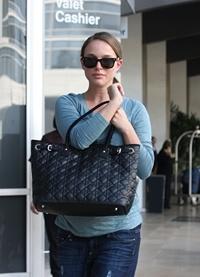 Natalie Portman esconde su barriga