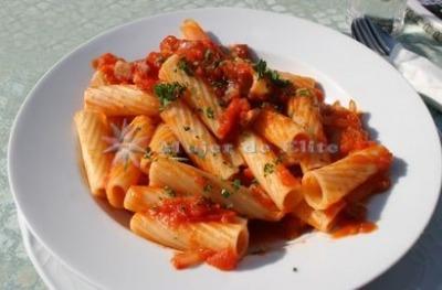 Macarrones con tomate especiados