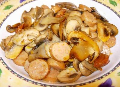 Champi�ones con salchichas y chorizo picante