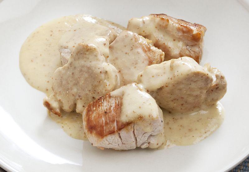 Solomillo De Cerdo Con Salsa Mornay