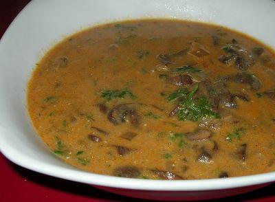 Sopa de setas oriental