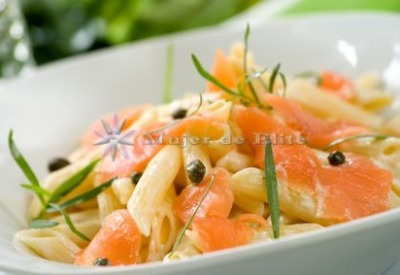 Macarrones con salmón al mascarpone