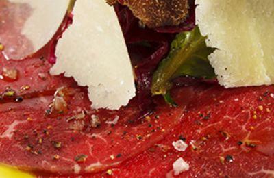 Carpaccio de solomillo con salsa de anchoas