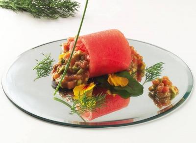 Tartar de sandía, salmón y aguacate