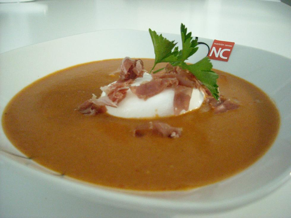 Sopa de ajo con huevo light