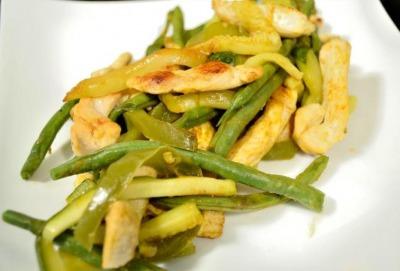 Ensalada de pollo con judías baja en calorías