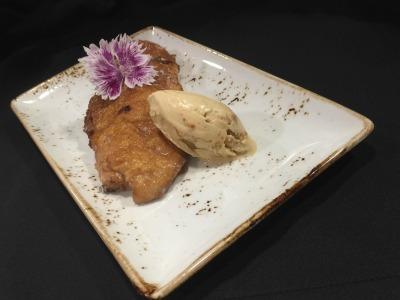 Torrijas caseras con helado de galleta
