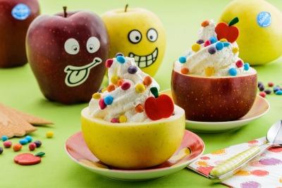 Copa de mousse helada de manzana