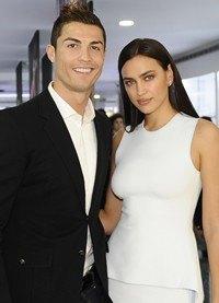 Cristiano Ronaldo inaugura su Museo CR7 junto a una Irina Shayk blanca y radiante