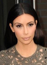 ¡Duelo de divas! Kim Kardashian compite con Rihanna llevando al extremo las transparencias