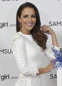 Paula Echevarría se viste de novia ante su primera Navidad sin David Bustamante